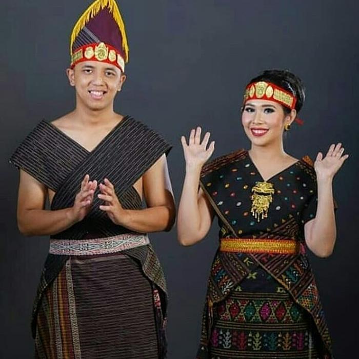 4 Baju Adat Sumatera Utara » Serupa Namun Tak Sama