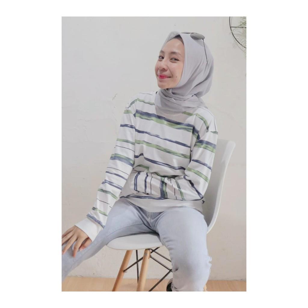 padu padan sweater dan hijab 7